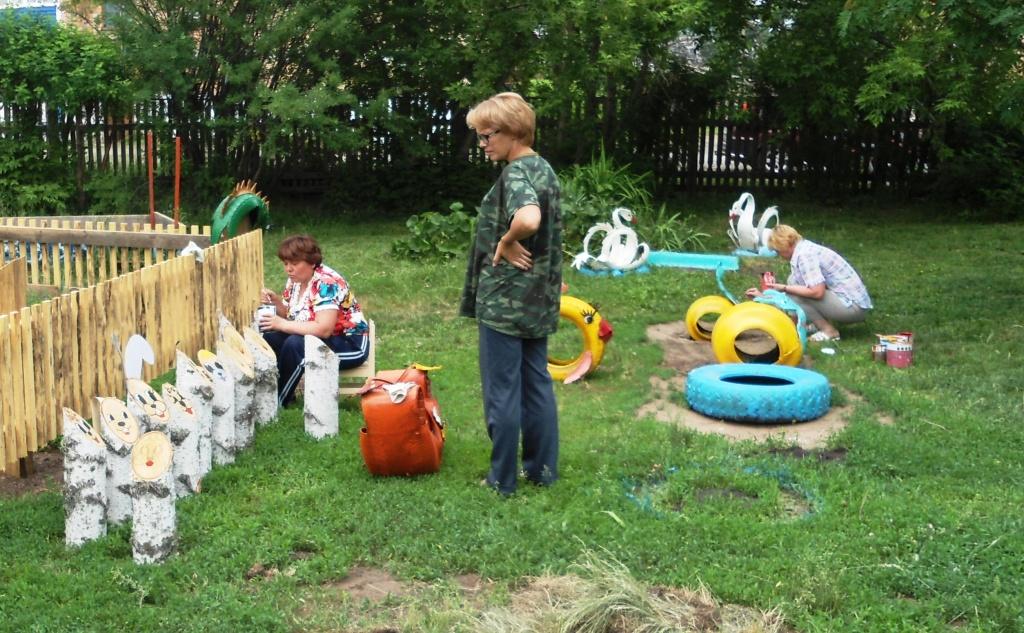Детская площадка в саду своими руками из подручных материалов фото 80